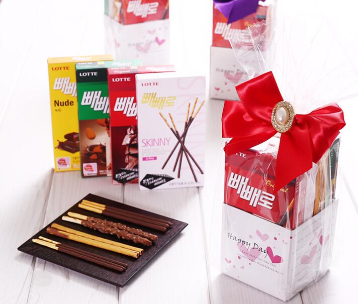 1994年,韓國釜山的女中學生們開始在11月11日11點11分11秒互相贈送這種零食,寓意對方變得像巧克力棒一樣苗條。
