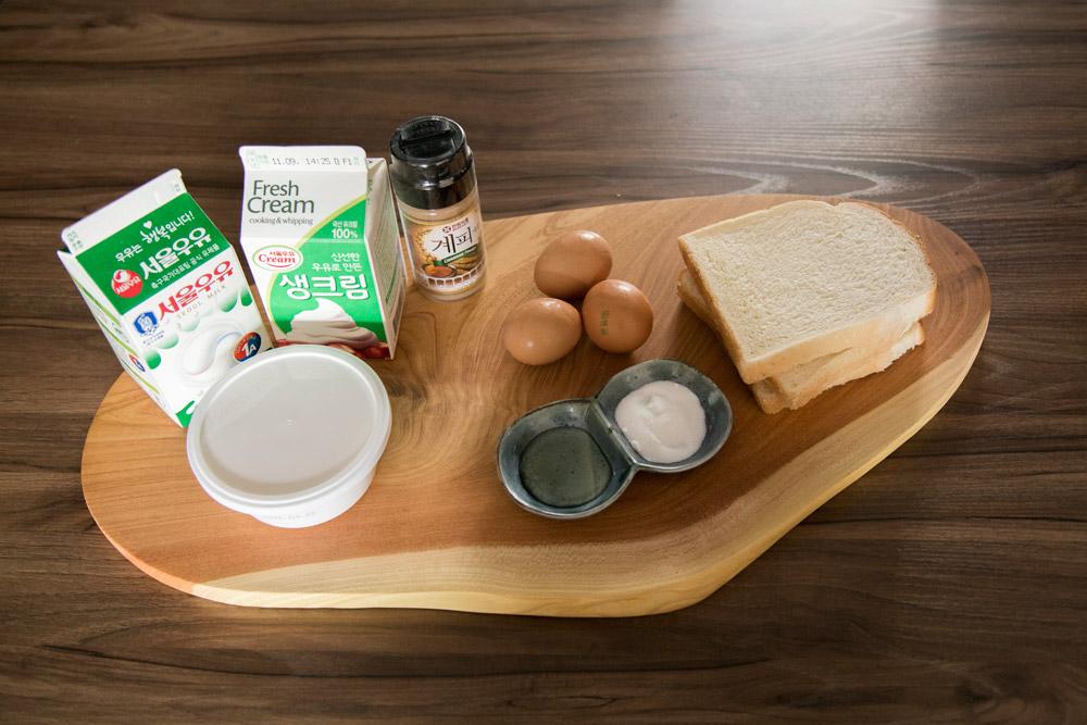 準備食材: 牛奶5勺、黃奶油1勺、雞蛋3個、 細砂糖1勺、吐司2~3塊、肉桂粉一點、 鮮奶油3勺(如果要放鮮奶油的話牛奶放2勺就好了) 如果再有蜂蜜就更好了!