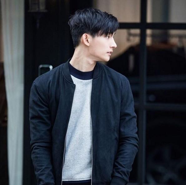 許多人認識朴亨燮主要是因為,他根本就是模特兒界的朋友王~朋友圈從時尚界延伸到娛樂圈,包括Key、Ravi、Bobby、孔孝真等藝人都是他的好友們!