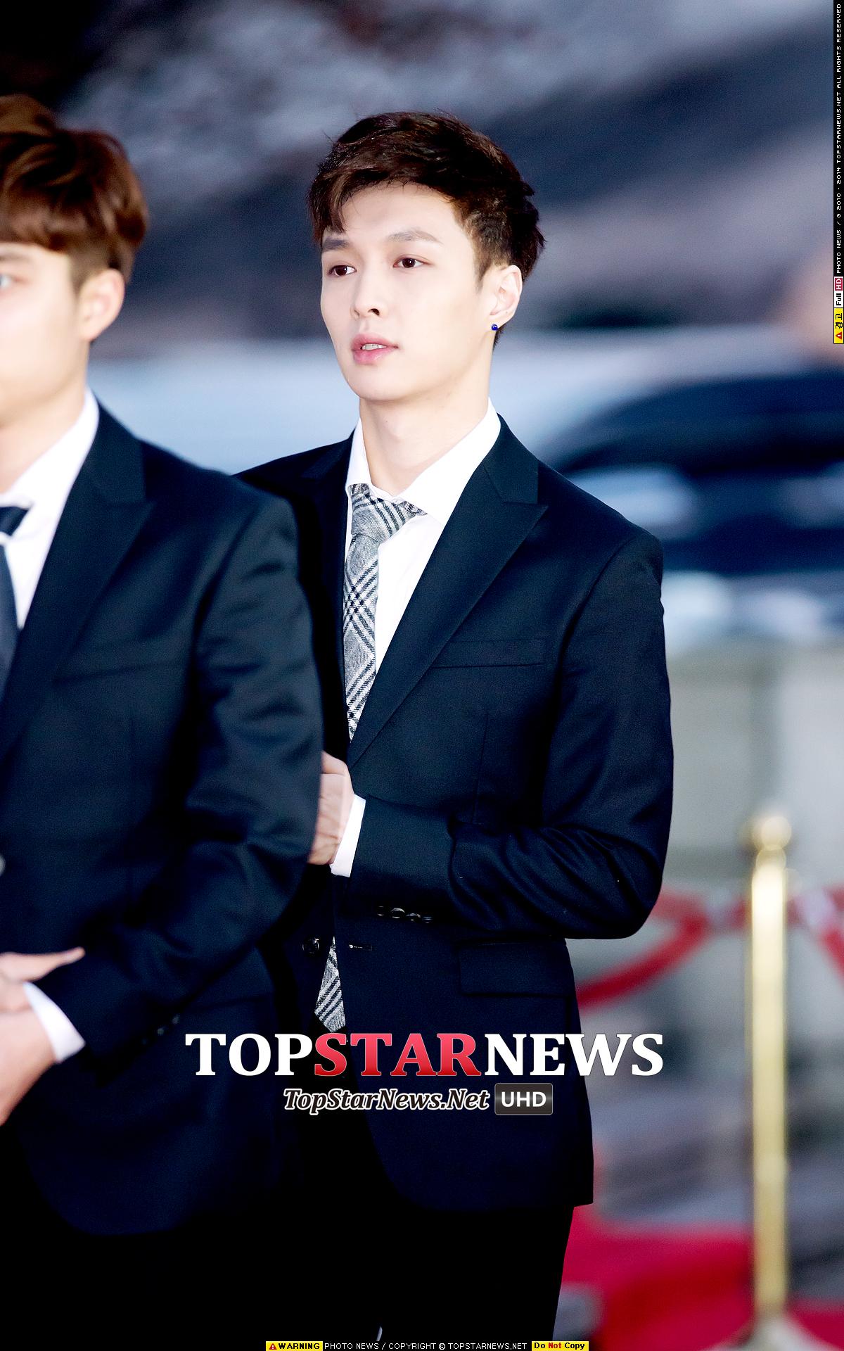 7.EXO Lay 這張唇色真的太好看了!厚度也很剛剛好XD