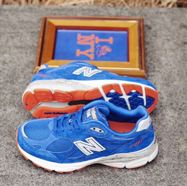 990系列則比較運動風一點,之前推出的紐約馬拉松紀念款,就是為了跑步而誕生的鞋款