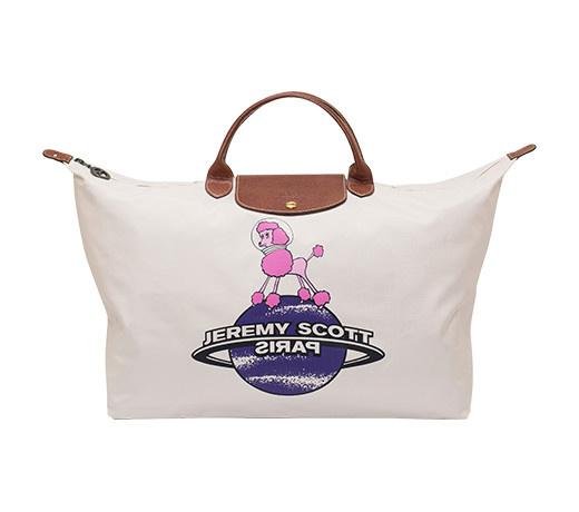 本季雖只推出兩款限量包款,但這10年來Jeremy還設計了許多令LONGCHAMP迷想收藏的款式★ 粉紅色貴賓狗也是大人氣的樣式,甜美女生的最愛~