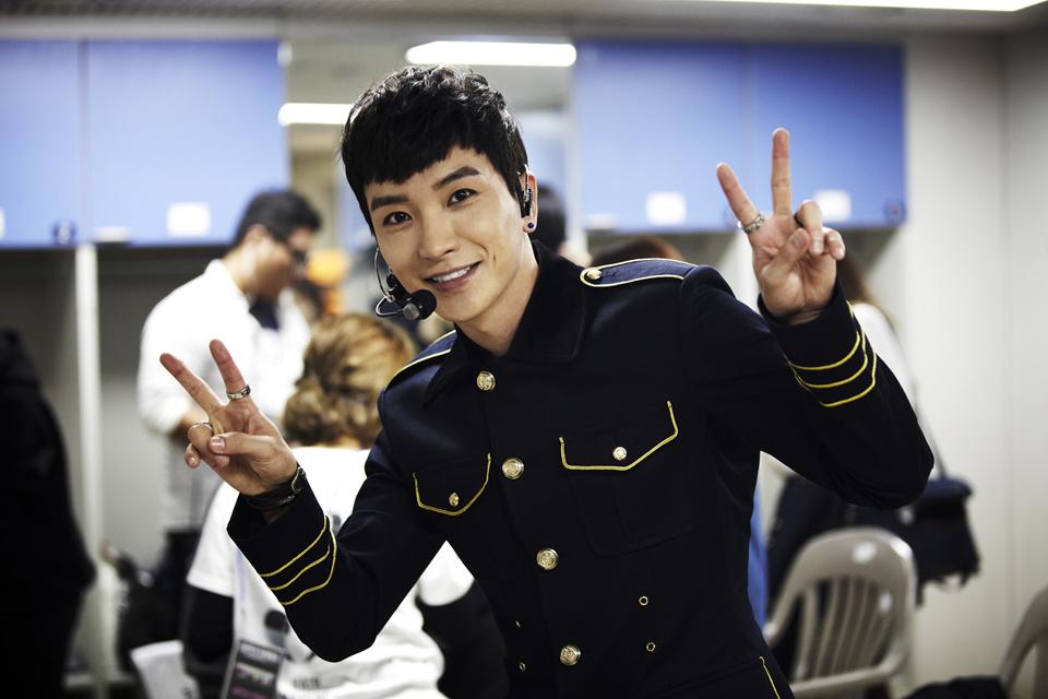 沒錯!今天的主角就是... 有著「天使特」外號的 Super Junior 隊長利特 ♡