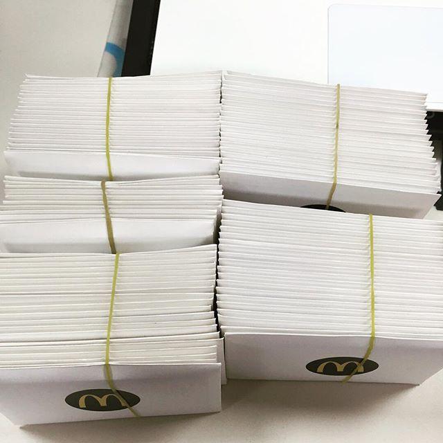 但是Key沒有自己留著用,而是據粉絲透露,Key以8張禮券裝在一封信的方式,全數轉送給了兒童福利機構,希望年末小朋友們都能過個好年~