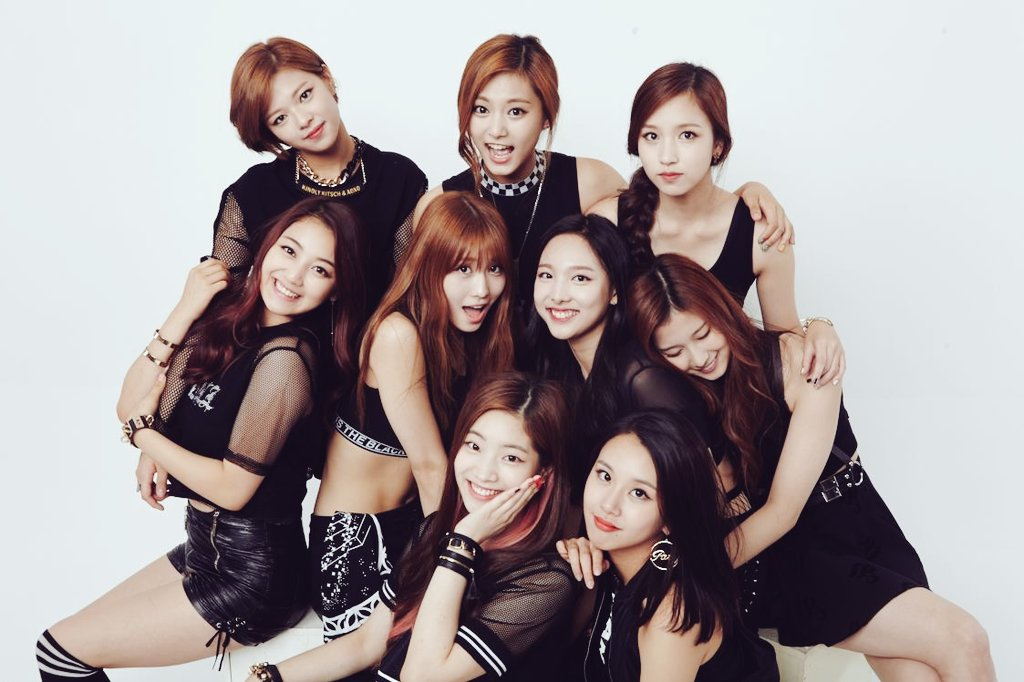 ★ JYP 娛樂 :: TWICE ★  10 月底才剛出道的 TWICE,一出道就獲得很大的關注和人氣。