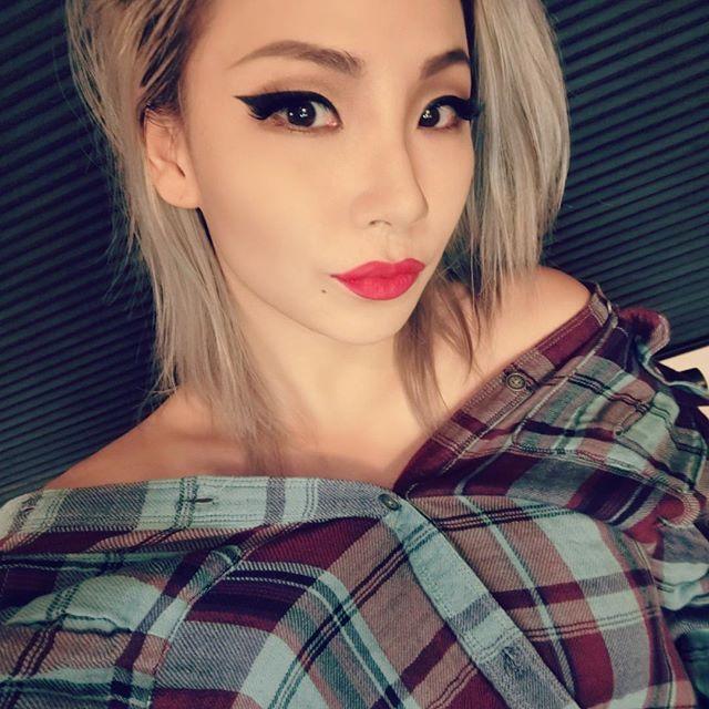 沒錯~正是霸氣女王!2NE1的隊長CL是也!