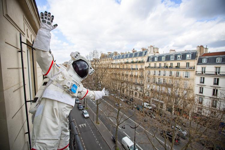 2015年4月1日 愚人節的下午4點 準時到了法國巴黎(耶~)
