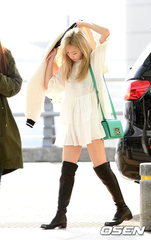 5.靴子、毛毛鞋 長靴不只保暖還可以拉長比例 腳暖了身體就暖 所以一定要有雙保暖的鞋