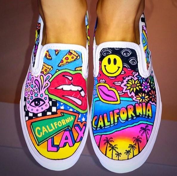 懶人鞋的頭號選擇Vans 不定期就會推出新款設計,今年的跨界合作更是創意無限啊!