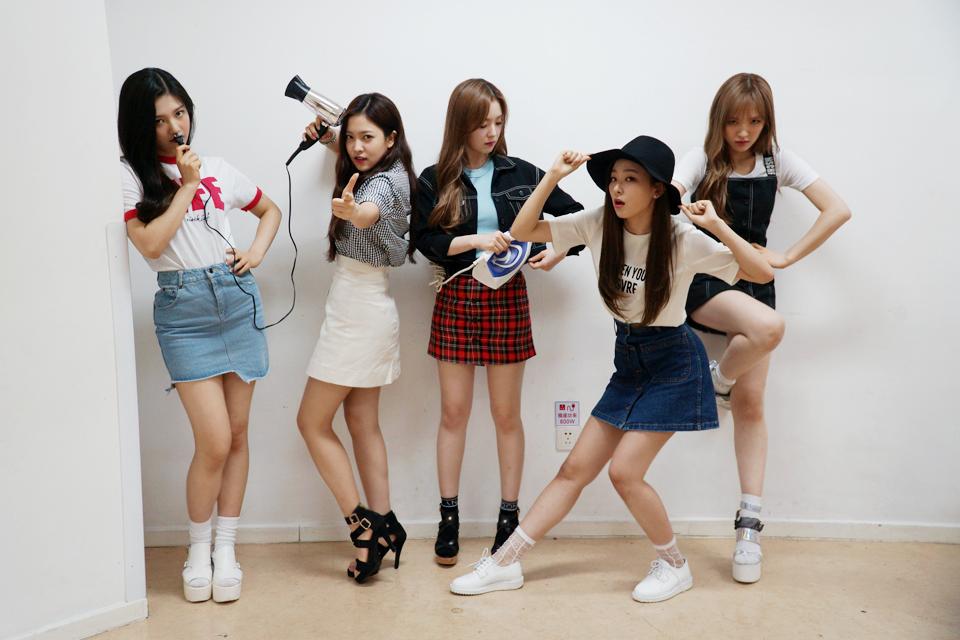 今天就來介紹由韓國網友直接票選出 「笑or不笑形象差異大的偶像」(無名次順序)