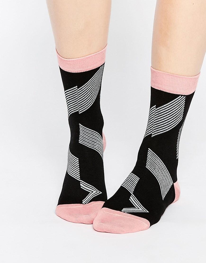 就連Paul Smith 這樣的高端品牌也跟著流行推出不少可愛的襪子,設計獨特之外也很有收藏價值