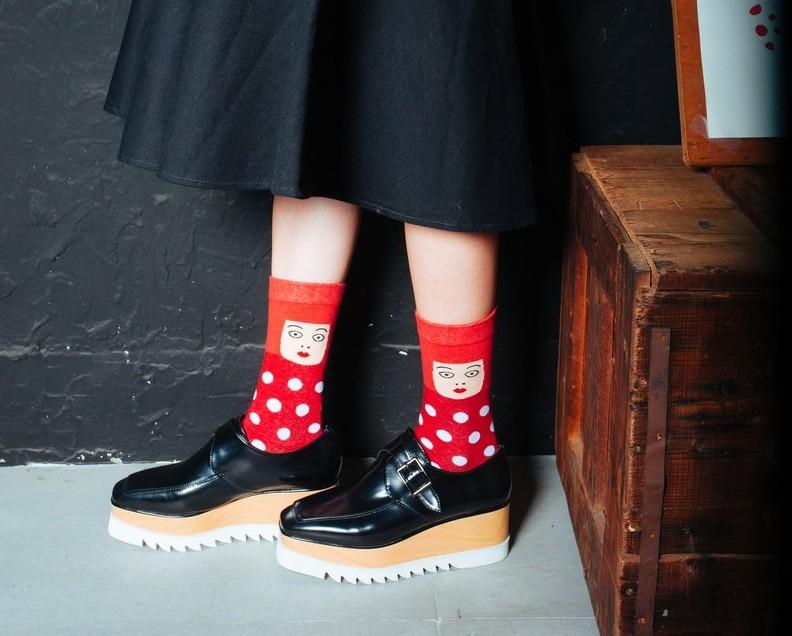 台灣設計品牌NAKID以草間彌生作為創作靈感,這點子超可愛的!NAKID有很多可愛的襪子,襪子控隨便逛一下就會手滑~