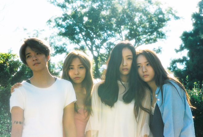 女團的部分,f(x) 平均2.75年 Luna 3.5年+Krystal 3.5年+Victoria 2.5年+Amber 1.5年