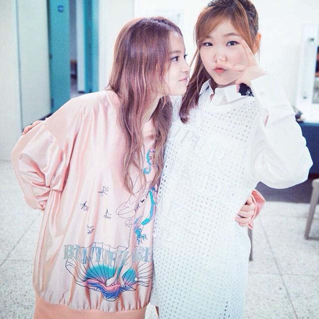 同公司的樂童音樂家妹妹秀賢,據說身高只有158,如果這樣都比她矮的話,LEE HI恐怕不只有少2公分這麼簡單唷~