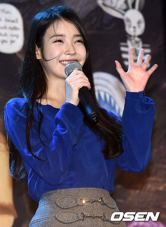 IU連著兩天在首爾的奧林匹克公園舉辦演唱會 雖然新專輯《23》沒有上音樂節目打歌