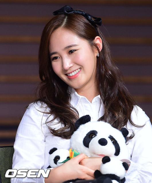 每次看韓星都覺得他們的牙齒很整齊又美,今天小編就帶大家來回顧一下有哪些男女星都有矯正過牙齒吧。:.゚ヽ(*´∀`)ノ゚.:。