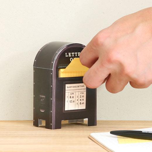 #趣味設計便利貼 NT.243 從郵筒裡抽出的便利貼省去收納的困擾,在桌上也是小裝飾喔!
