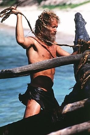 散發著溫暖氣息的湯姆·漢克斯為了出演《浩劫重生》(2000)中在無人島上獨自生活1500多天的主人翁,曾減重22KG。