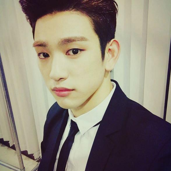 # GOT7 Junior : 本名朴珍榮的Junior 雖然漢字寫起來不同 但韓文當中唸起來和JYP社長大人朴軫永一樣 所以叫Jr. (翻成中文 就是大朴跟小朴的意思嗎?)  *謝謝粉絲更新訊息