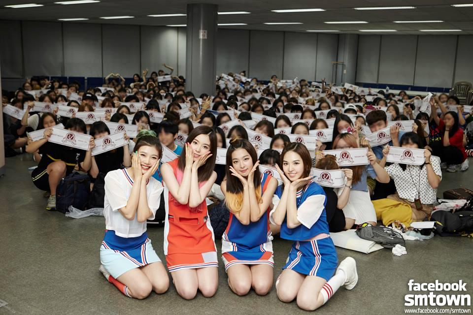 但據說就是因為這件事 讓Wendy體認到 想要進入韓國演藝圈 唯有瘦下來才行 於是開始嘗試多樣的減肥方式 最後不只瘦下來