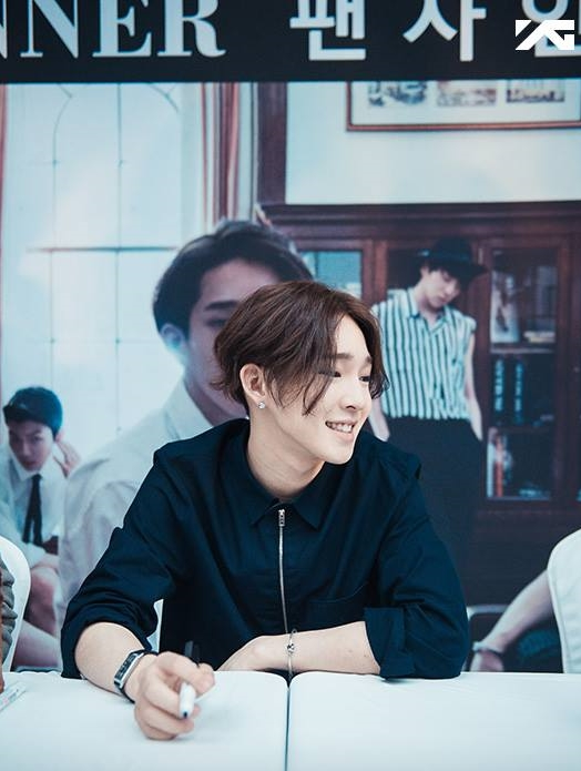 中分和八字眉是太鉉的特色,笑起來很可愛的他,看起來就像小天使一樣,但大家知道這個小秘密嗎...?
