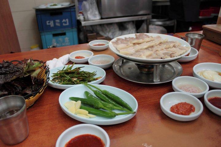 1. 雙胞胎豬肉湯飯(쌍둥이돼지국밥)