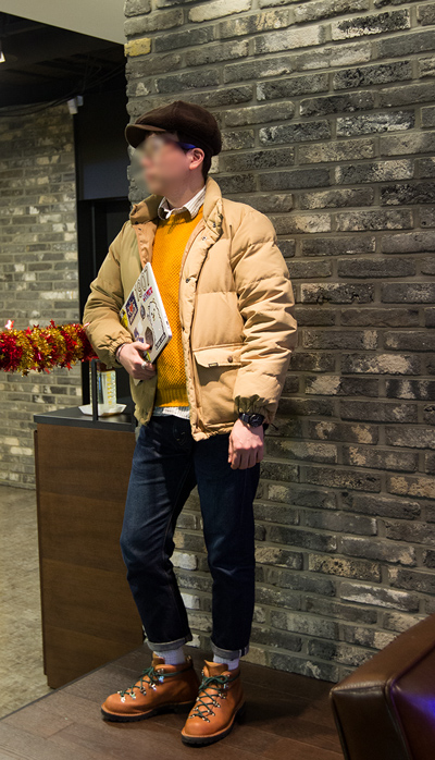 穿搭達人果然不一樣...♥ 麵包帽搭配上鮮亮的橘黃色毛衣