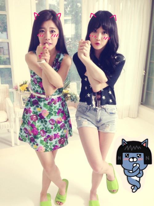 2.Girl's Day 素珍♥Yura