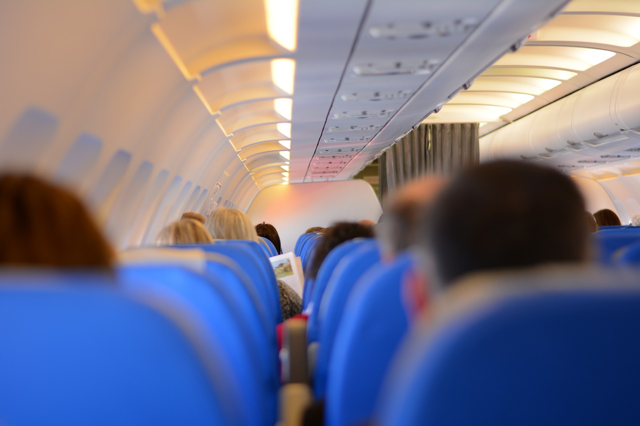 搭飛機附近坐這些人,光用想的就覺得很崩潰吧>皿< 你最討厭哪一種呢???