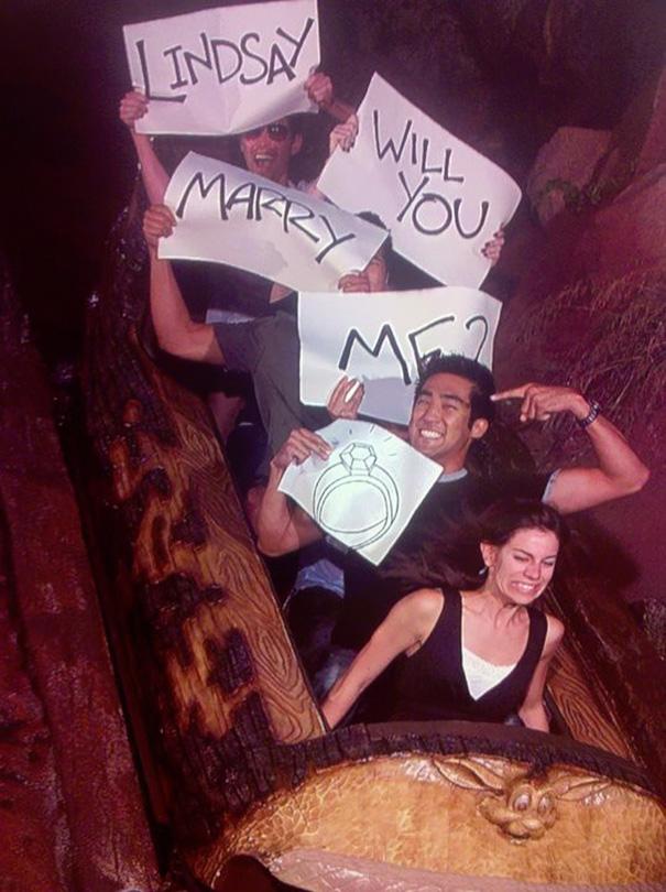 4. 在遊樂設施上進行刺激的求婚 聽說女生後來看了照片後大哭了一頓ㅠㅠㅠ