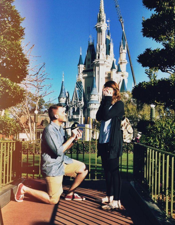 7. 在充滿夢與幻想的地方,迪士尼樂園求婚 感覺好像我變成了這個王國的女王似的~♪