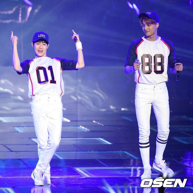 為何白白都是棒球裝~suho真的像是打棒球的XDDD