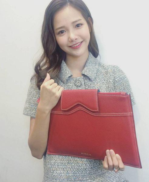 #6 夏沇秀(河妍秀)  「可愛又清純的氣質,讓人想要放進口袋」