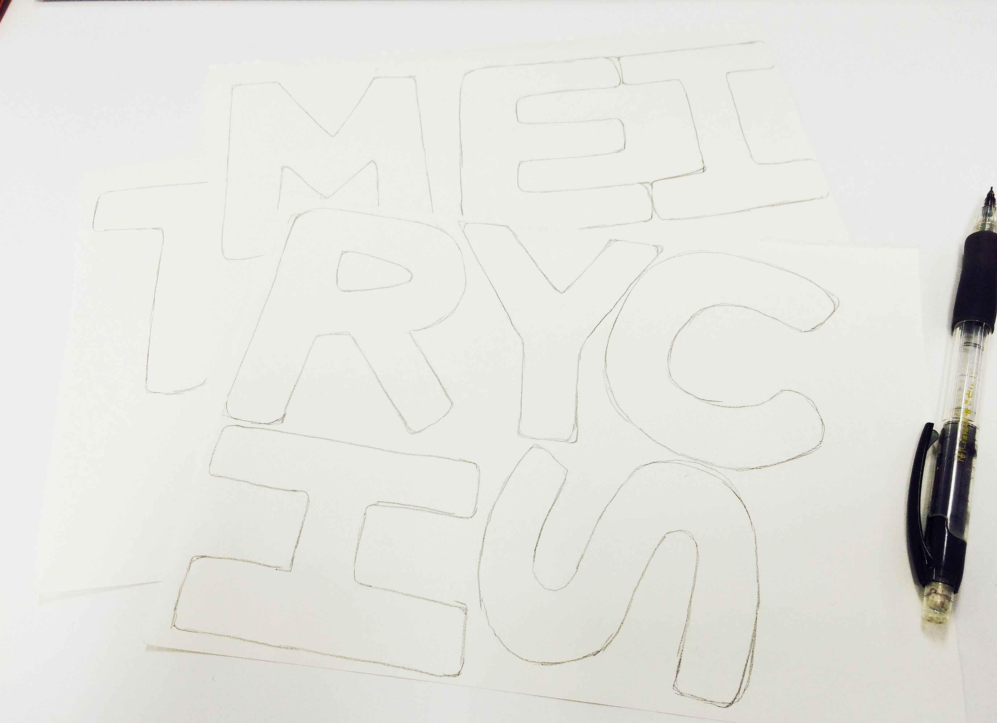 自己可以在電腦上選擇字體,然後列印出來就可以了...如果你有信心自己畫的更好,也可以一顯身手哦~