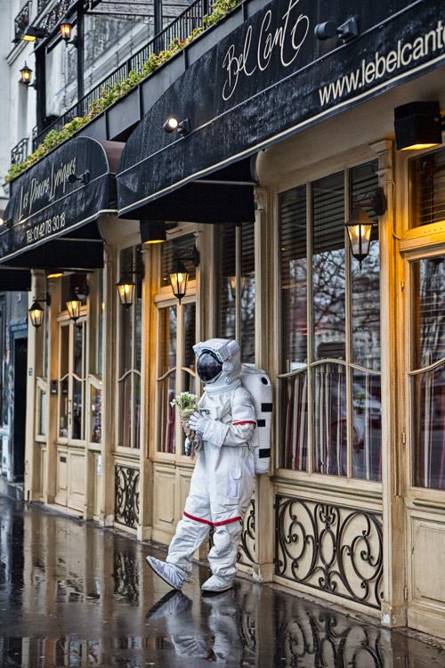啊!這不就是對於巴黎的幻想嗎? 還沒真正的來到巴黎鐵塔底下 已經開始期待了