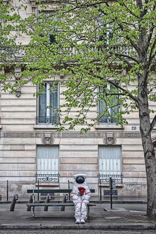 說不定會是我宇宙人生最後一次的巴黎旅行 當然要留下在街頭的幸福紀念照啦!