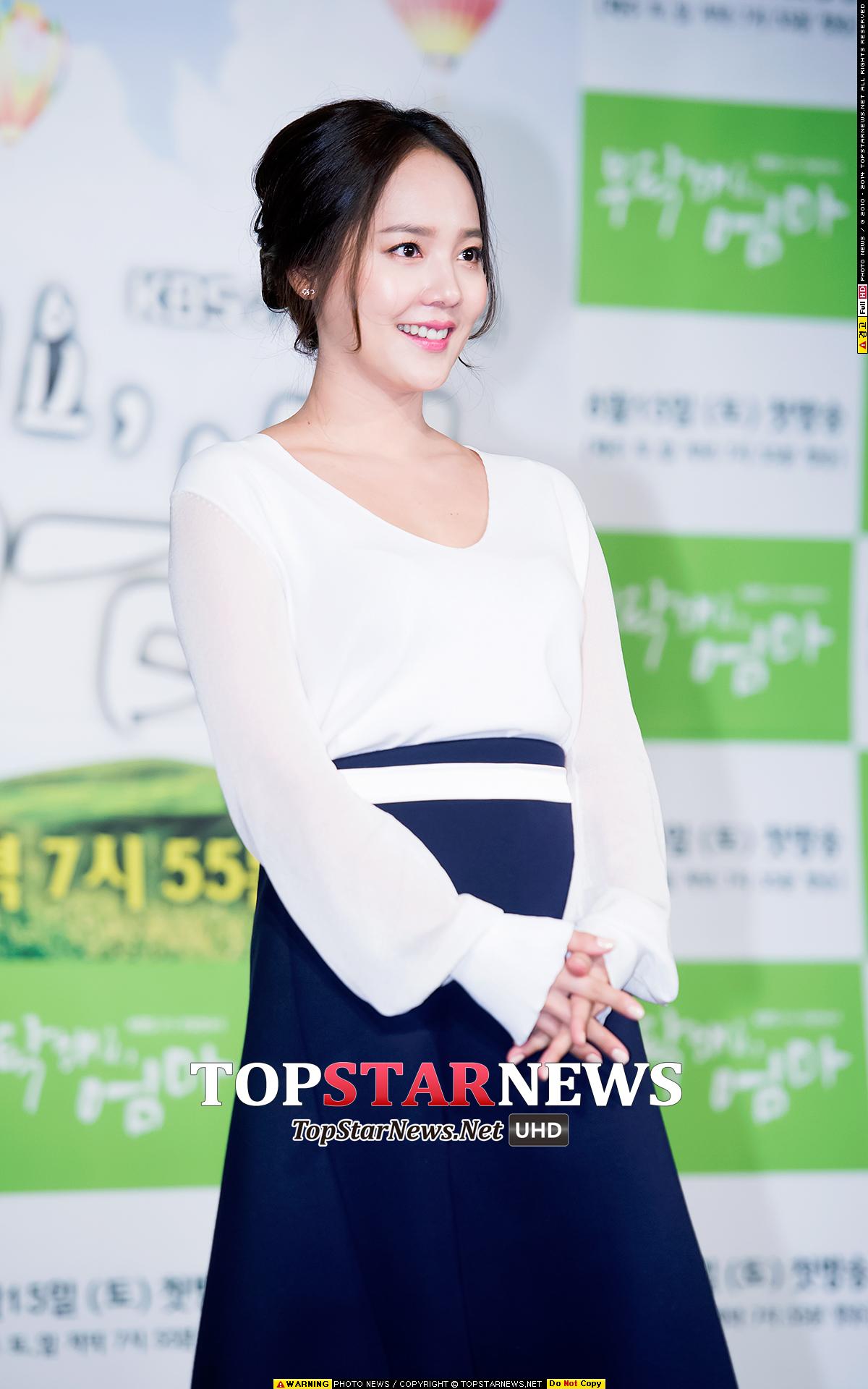 那麼...另外一位主人公是... 被韓國人選為「歷代女團最美外貌擁有者一位」的柳真 ♡