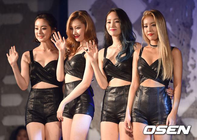 #Wonder girls (JYP Ent.) 2008年 歷屆成員:泫雅、宣美、惠林、婑斌、先藝、譽恩、昭熙  時隔近10年才出現第3支創下這個紀錄的團體 由JYP娛樂精心打造的女子團體WG 靠著簡單易學的舞蹈和復古有趣的曲風 在2008年的韓國無論大街小巷都能聽到她們的歌聲