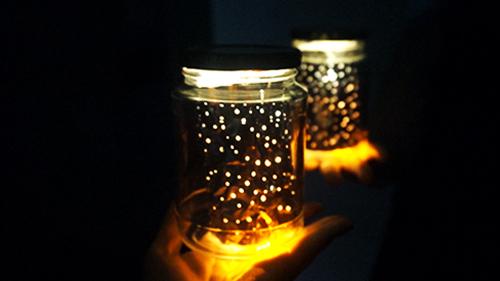 這個情調燈不是星座...只是小編胡亂打的孔,不過還是很漂亮的呢♥~