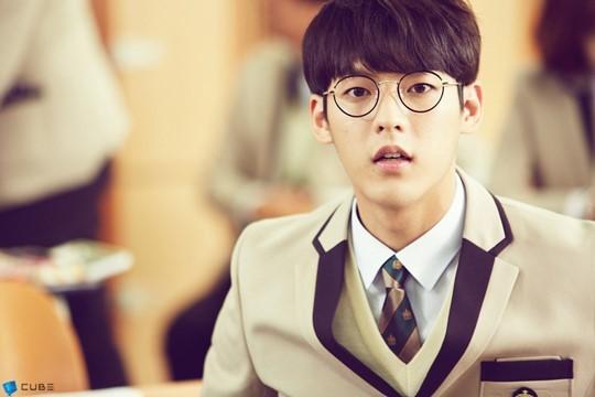 或是班上有像旼赫這樣可愛的男同學也好