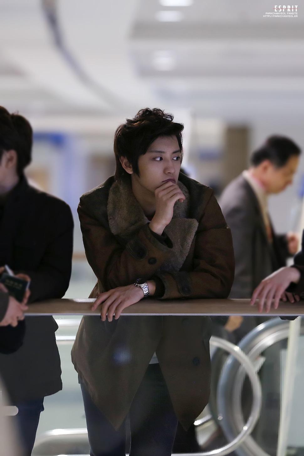 照片的主角...居然是...EXO 的燦烈耶!