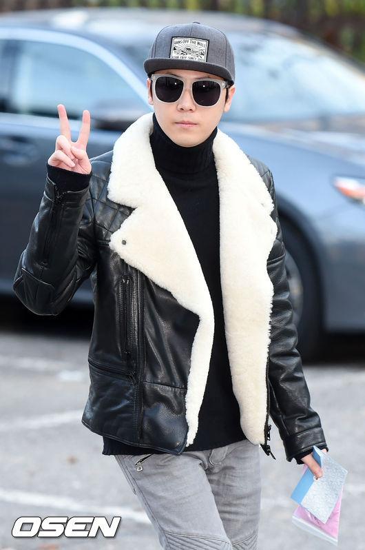 面貌俊美的他,錄製綜藝節目<大韓民國脫口秀 你好>時,被詢問:是否有被懷疑過性向?