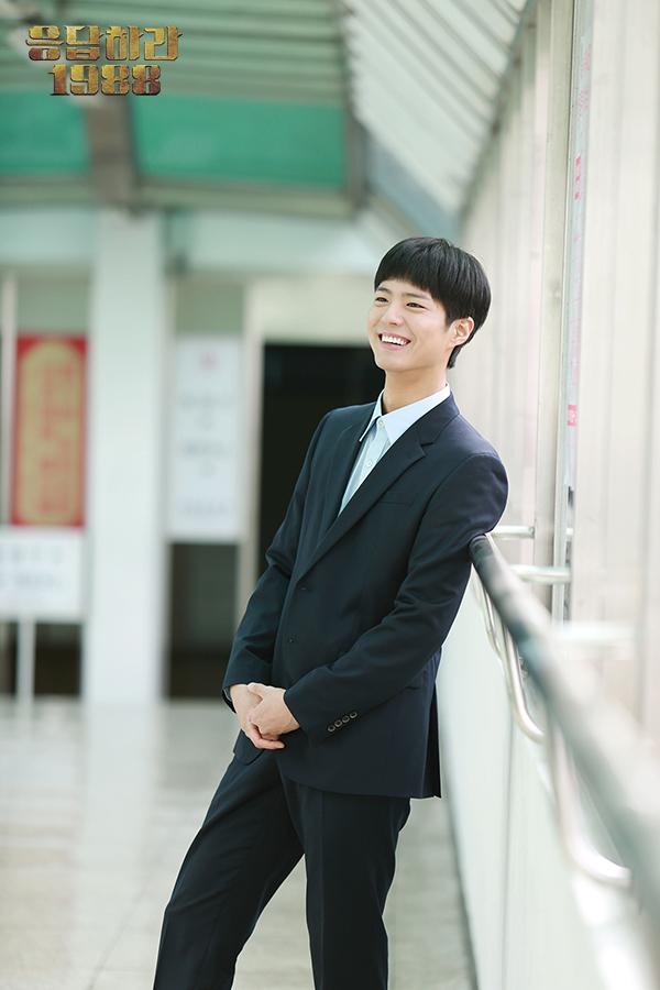 最近在tvN高收視率的電視劇《請回答1988》飾演崔澤一角受到喜愛的男演員朴寶劍(22歲),有8件關於朴寶劍的事情你必須要知道!