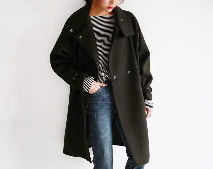 #過膝長度大衣 今年大衣強調要過膝長度才有帥帥俐落的氣氛★搭配丹寧Skinny是最簡單、不會出錯的風格~