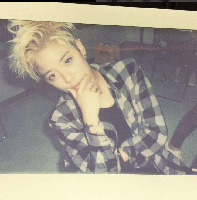 除了以上這十位…還有人脈富翁Amber也被韓國網友這美貌名單中XD