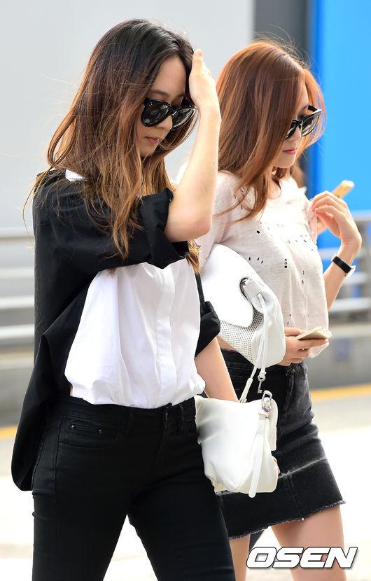 雖然給大眾的形象比較高冷的她們,但如果有看她們的實境節目《Jessica & Krystal》的話,就會知道她們私底下其實很可愛!