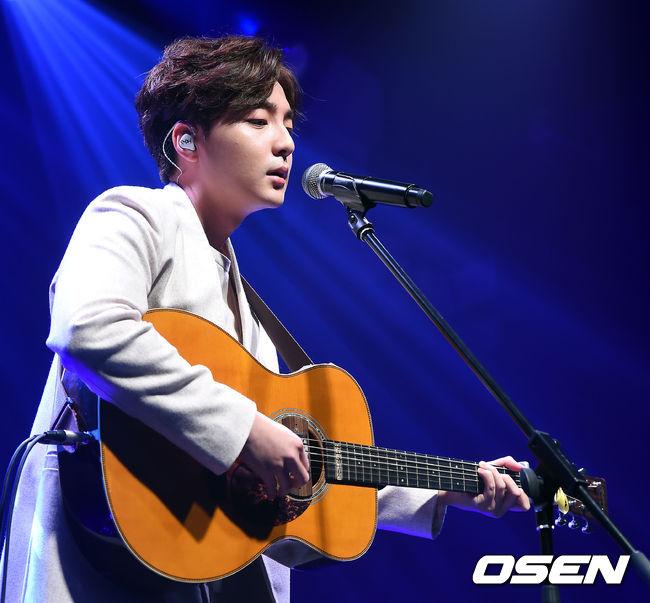 新生代創作歌手:Roy Kim