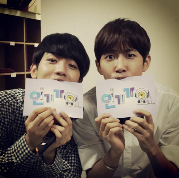 《人氣歌謠》是由韓國 SBS 電視台製播的音樂節目,每個禮拜天下午播出。
