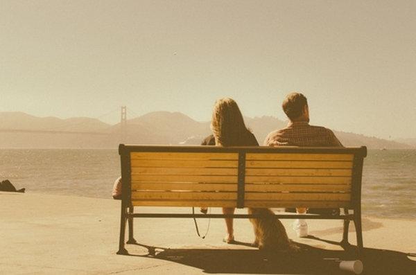 有人說,愛情是「你需要我的時候,我就在你身邊;當我需要你的時候,你就在我身邊」。 那麼愛情,便是陪伴。