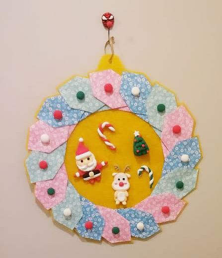 「聖誕花環」☞在花環中間還做了聖誕爺爺和魯道夫,太可愛了>_<